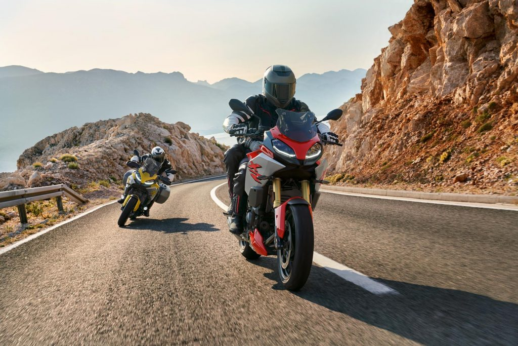 2020 BMW F 900 R (red) and F 900 XR
